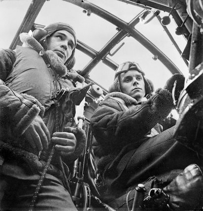 Wellington Bomber crew