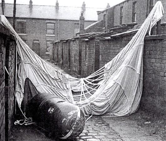 Parachute mine, Oldham, 23 December 1940