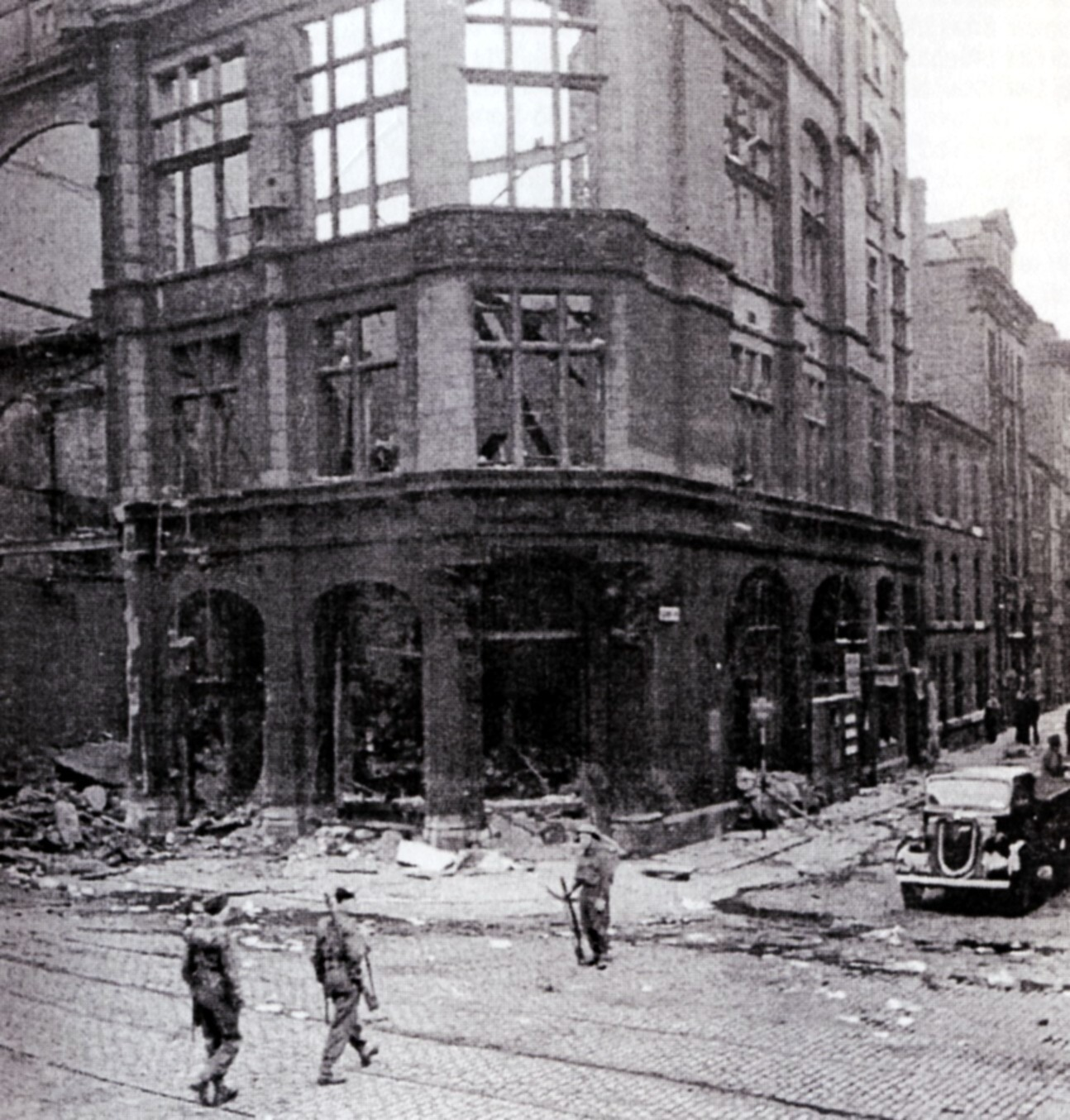 Corner of Lloyd St and Deansgate, 1941