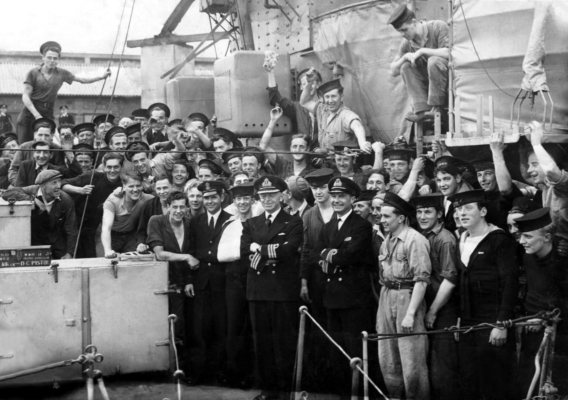 Crew of HMS Fame