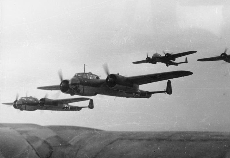 Bundesarchiv_Bild_101I-342-0603-25,_Belgien-Frankreich,_Flugzeuge_Dornier_Do_17